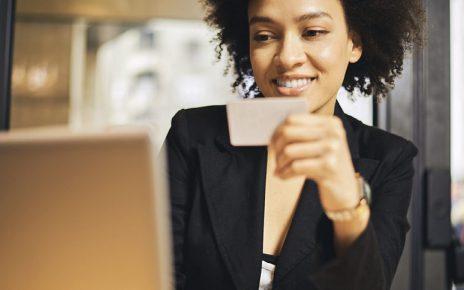 Obtenir un crédit sans contrat de travail : est-ce possible ?